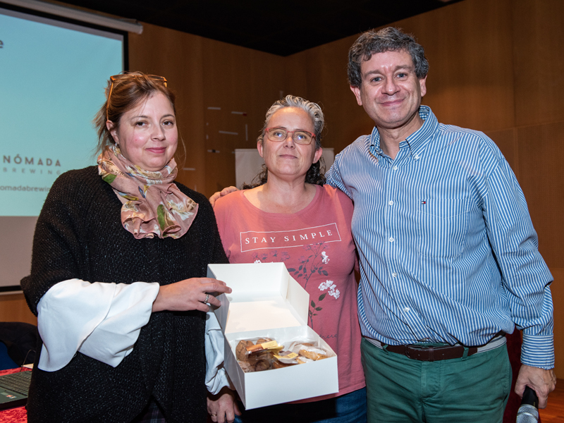 Tatiana León y ganadora sorteo
